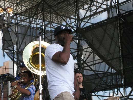 Black Thought Close
